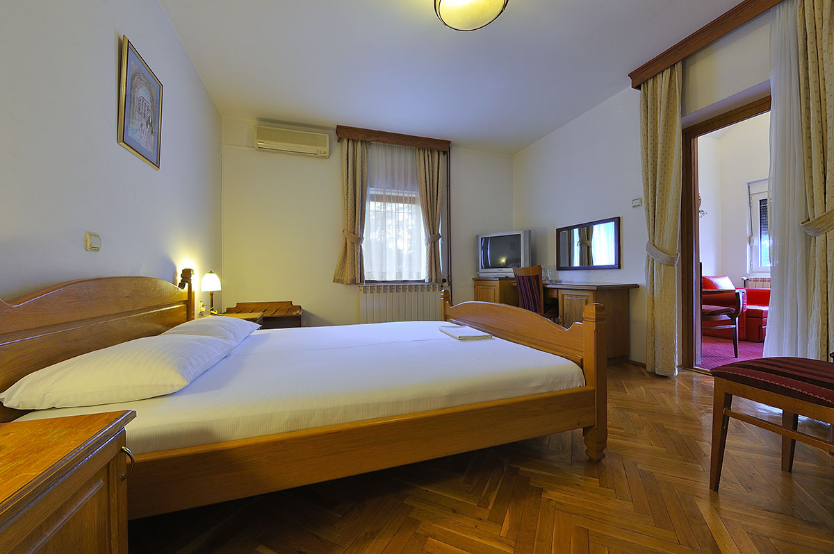 hotel-sucevic-apartman-standard-023